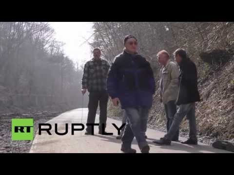 Germany: Pensioners dig for the 'priceless' Amber Room, stolen by Nazis