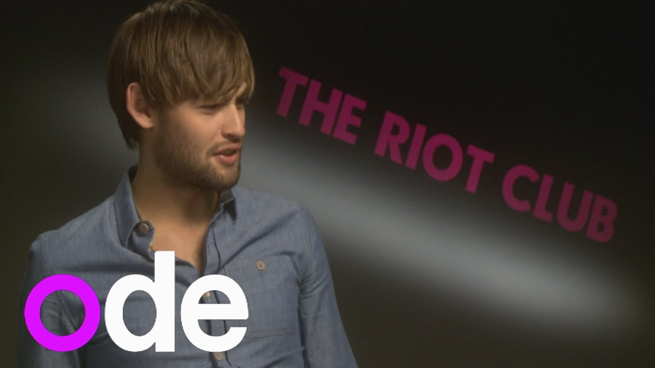 Is Douglas Booth datin...