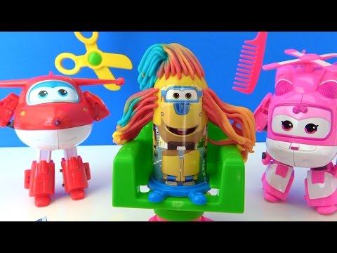 Harika Kanatlar Berber Oyun Hamuru Seti - Çılgın berber neler yapacak? Jett ve Dizzy saç kesiyor.