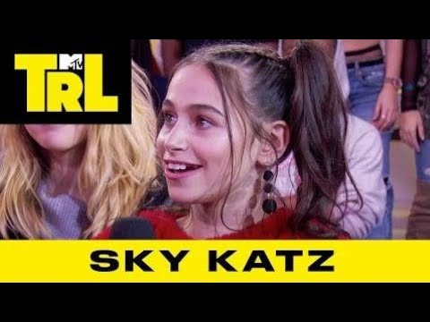 Sky Katz on Being A Sneakerhead, Rapping & 'Raven's Home'   TRL Weekdays at 4pm