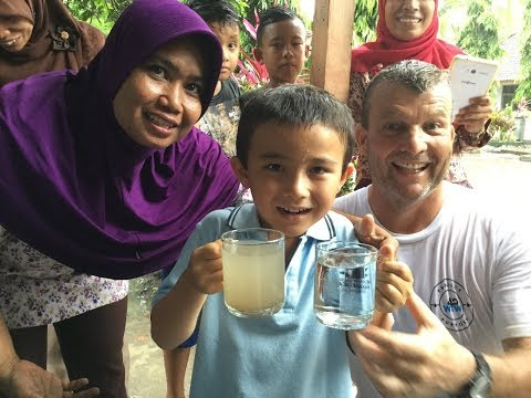 waves 4 water project- Hennessy's in Lombok