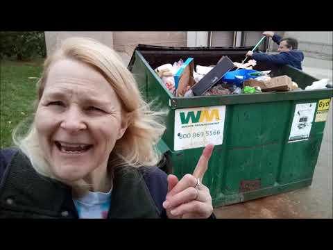 In the Aldi Dumpster!  Unbelievable Haul!!  Freakin Freegan!!
