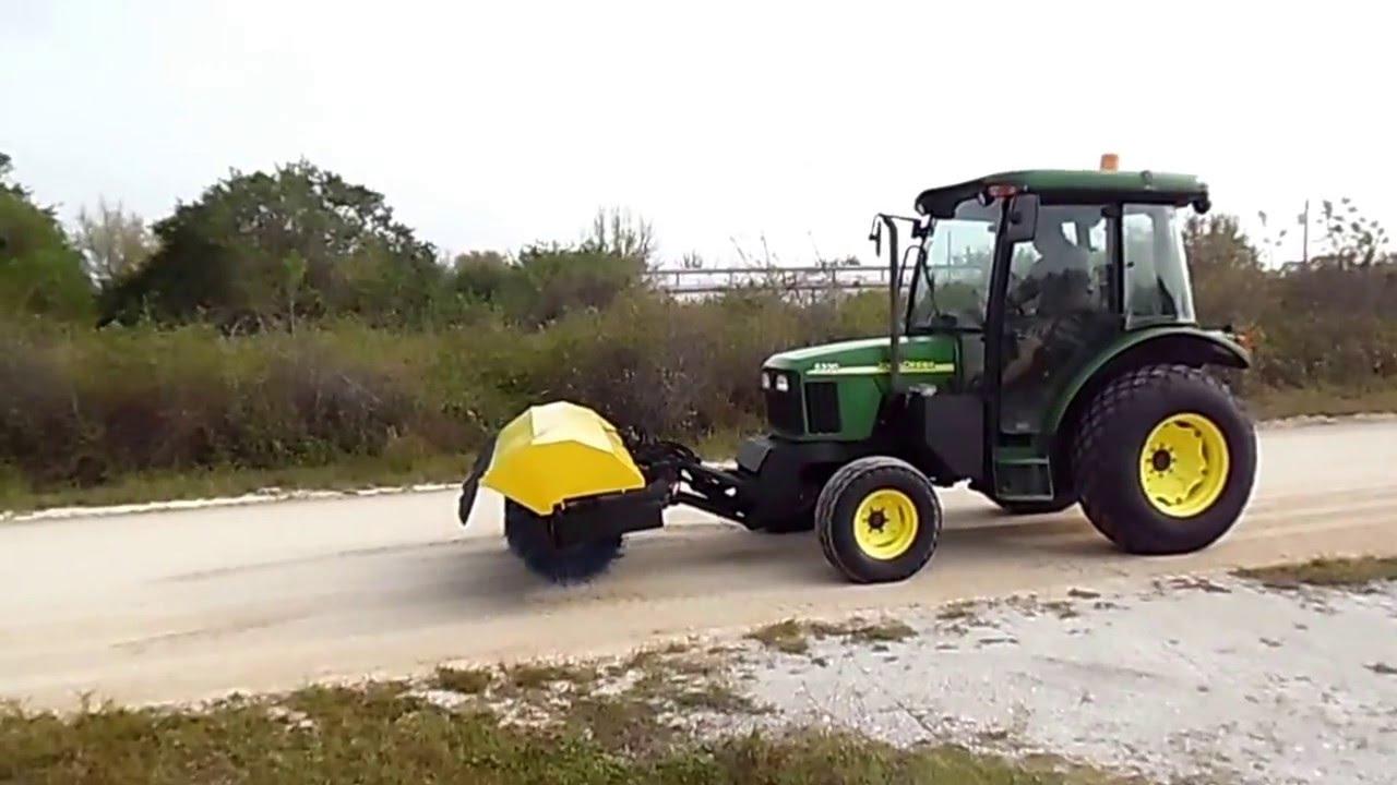 2003 John Deere 5320 Tractor With Sweeper Broom 368