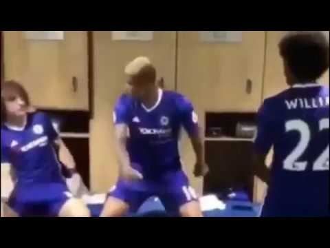 PATAPAA  ONE CORNER DANCE  HITS CHELSEA DRESSING ROOM