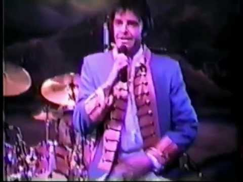 Mark Lindsay - Action / Louie, Louie / Steppin' Out (Live, 1990)