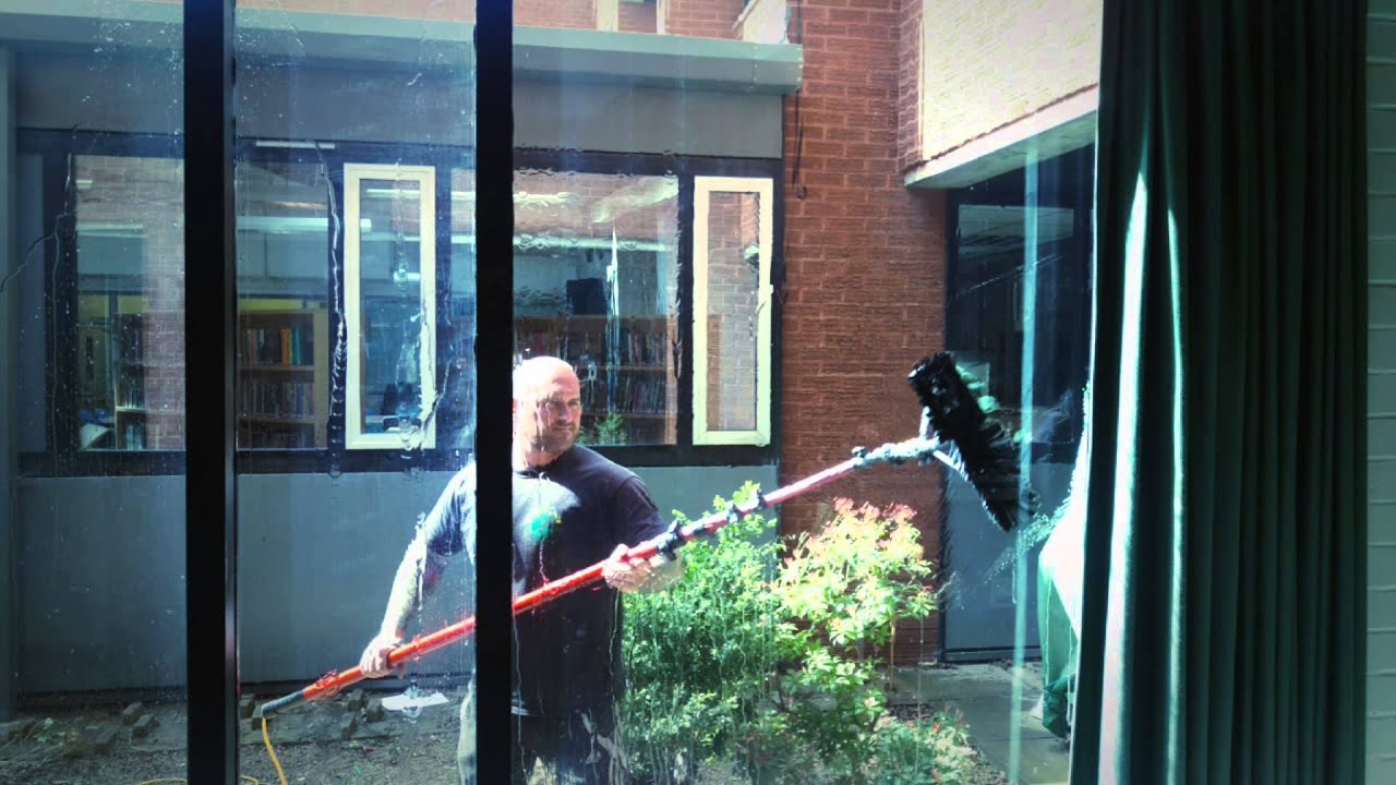 Window Cleaners In Leeds >> Squeak And Bubbles Leeds Window Cleaners Youtube