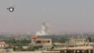 الطيران الحربي الروسي يشن غارات جوية عنيفة على مزارع خان الشيح في الغوطة الغربية