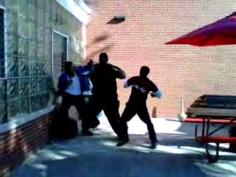 They aint learnin how to fight at Lincoln Tech(Phila,Pa)