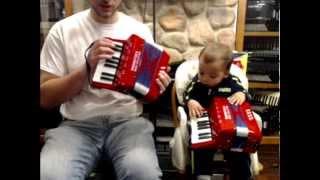 WD17 - Woodstock Kids Piano Accordion 17 Key M 8 $35
