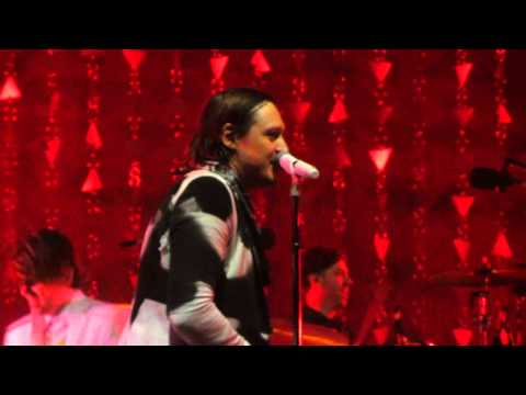 Arcade Fire - Axel F ( Beverly Hills Cop Theme ) Live @ The Forum 8-2-14 in HD