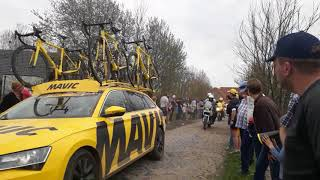 Paris Roubaix 2018 - Carrafour De L'Arbre - 15km from the finish - Peter Sagan leading