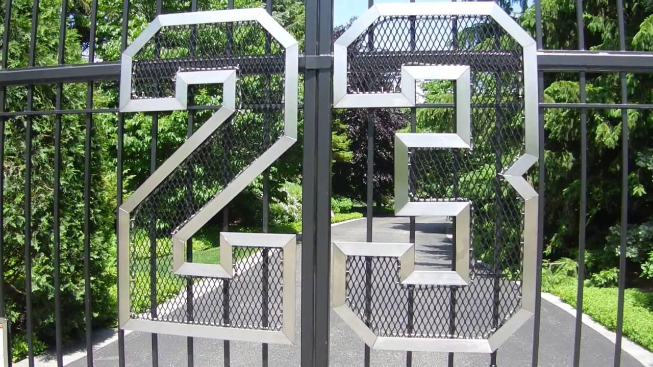 Michael Jordan's Home - Front Gate - Highland Park ...  Michael Jordan&...