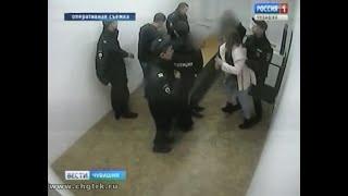 В Чебоксарах двух девушек обвиняют в нападении на полицейских