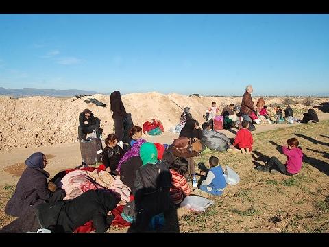 أخبار عربية - لاجئون سوريون عالقون على الحدود بين #المغرب و #الجزائر في وضع كارثي  - نشر قبل 6 ساعة