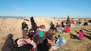 أخبار عربية - لاجئون سوريون عالقون على الحدود بين #المغرب و #الجزائر في وضع كارثي