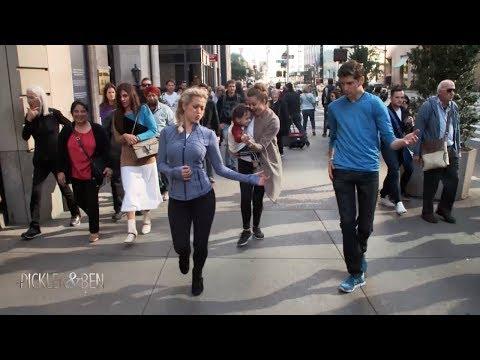 ben-and-kellie-dance-walk-in-new-york---pickler-&-ben
