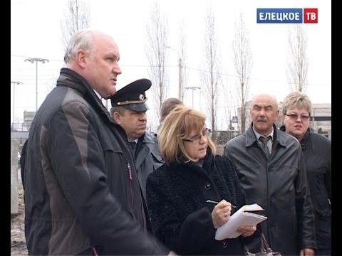 Глава города вместе с руководителями служб и предприятий проверил санитарное состояние города.