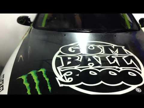 Monster Energy / Garage-D Indoor Burn out !