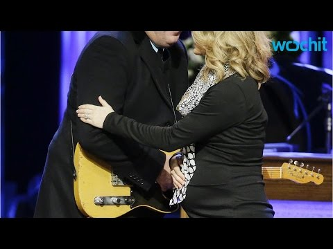 Watch Carrie Underwood, Vince Gill Duet at Little Jimmy Dickens Funeral