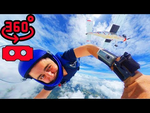 Skydiving in 360 Virtual Reality