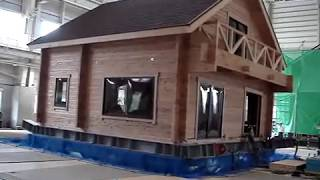 Log house in earthquake test by Japan log house association