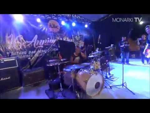 MONARKI - GEEK feat. Qiwe Kapten live at Bomber Anniversary