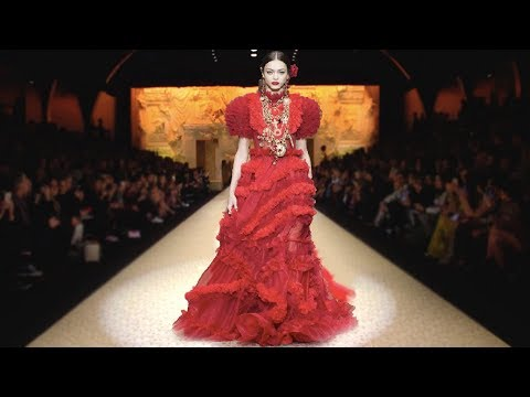 Dolce & Gabbana | Fall/Winter 2018/19 | MFW...Fashionweekly...On Fow24news.com