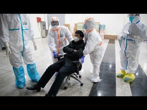Coronavirus: le bilan s'alourdit, la Chine durcit les mesures de confinement