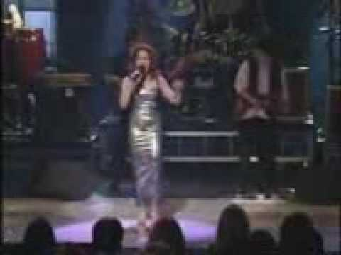 Gloria estefan turn the beat around lyrics
