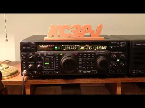 Yaesu FT1000MP in use