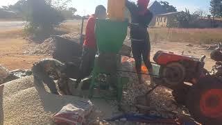 Pata mashine bora za kupukuchua  mahindi, mtama  pigs 0766595300
