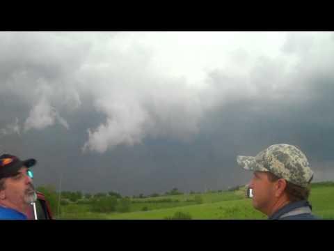 Wall cloud near St. Joseph, MO