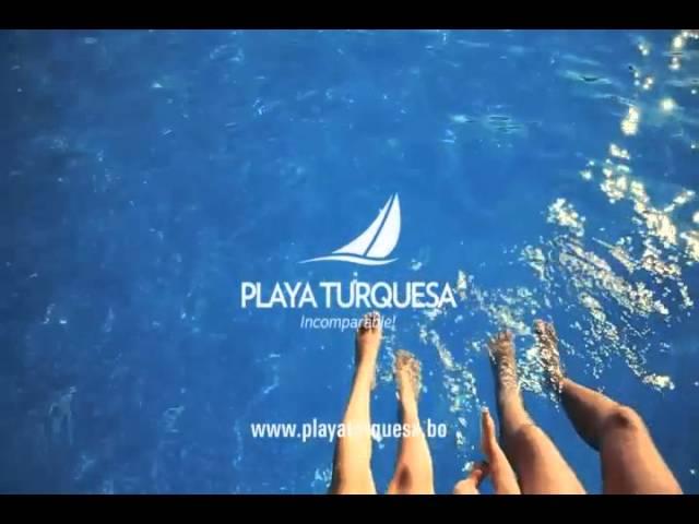 Refrescando los pies en Playa Turquesa