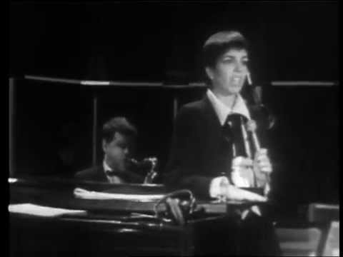 Liza Minnelli - Maybe This Time (Songs I Taught My Mother) (Live on Australian Bandstand)