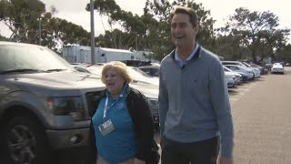 Former Charger Girl gives Phil Mickelson a ride at the Farmers Open