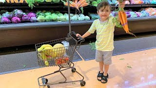Grocery Shopping at the Supermarket with Zack and mommy
