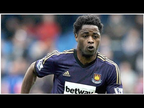 Alex song training with arsenal amid search for new club