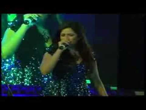 Dheere Dheere (Saibo) song Shreya Ghoshal Live at Dharwad Utsav 2013 Dec15