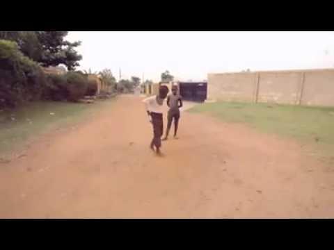 Ghetto boys dancing
