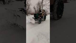 ЮМЗ 6 и первый снег