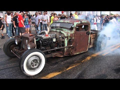 WILD Burnouts On The STREET - Shapiro Steelfest