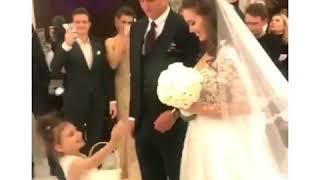 Ведущими на свадьбе Тарасова были Николай Басков и Виктория Лопырева