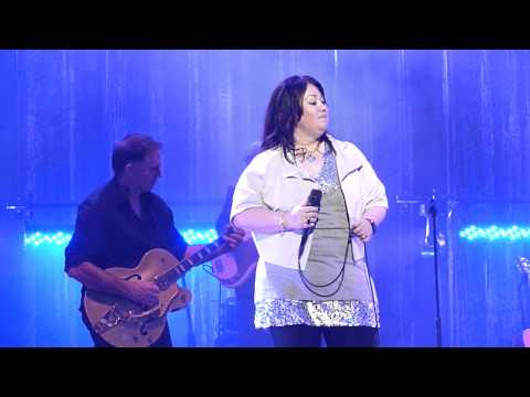 (HD) Jann Arden Vancouver 2012 Waiting in Canada