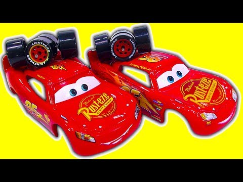 Cars 3 Vs Cars 2 Lightning McQueen Diecast Comparison Toy Autopsy