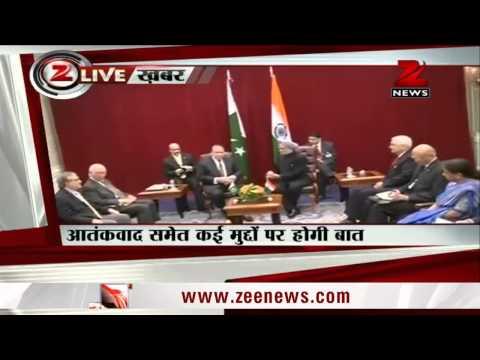 Manmohan Singh-Nawaz Sharif meet begins in New York