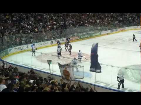 Eisbären Berlin gegen Hamburg Freezers LETZTE SPIELMINUTE TOOOOR am 07.10.2012 HD !!!