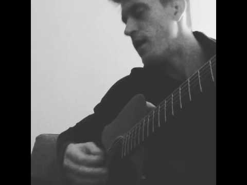 Modena: Maxwell Holt canta