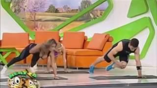 Tette in diretta - prova a non ridere challenge video tette in TV