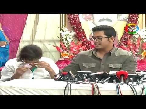 Actor Srihari Wife Disco Shanti Getting Emotional || #OneVision