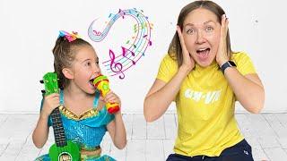 Маша выбирает профессию певец, танцор няня или блогер